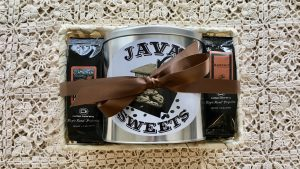 coffee gift basket with cookies